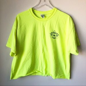 Fluorescent yellow sheriff cropped tee